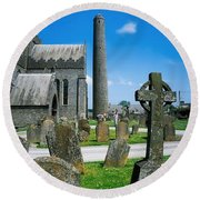 St. Canices Cathedral, Kilkenny City Round Beach Towel