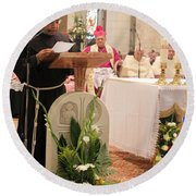 St. Catherine Church Mass Round Beach Towel