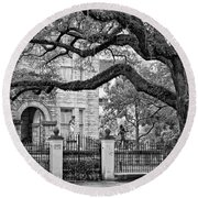 St. Charles Ave. Monochrome Round Beach Towel