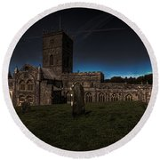 St Davids Cathedral Pembrokeshire Dusk Round Beach Towel