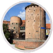 Stagiewna Gate Gothic Tower Round Beach Towel