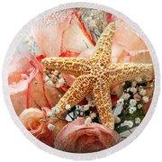 Starfish And Pink Roses Round Beach Towel