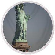 Statue Of Liberty, New York, Usa Round Beach Towel