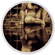 stone in reflexion - Statue reflected in a sea of doubt in vintage process Round Beach Towel