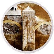 Stone Sight - Two Arches And A Column Draws A Disturbing Almost Human Face Round Beach Towel
