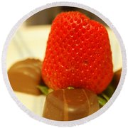 Strawberry And Chocolate Round Beach Towel