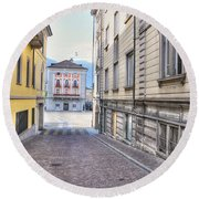 Street With Houses Round Beach Towel