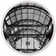Subway Glass Station In Black And White Round Beach Towel