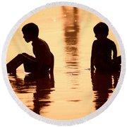 Sundown By The Bay Of Bengal II Round Beach Towel