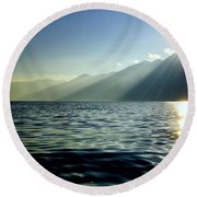 Sunlight Over A Lake With Mountain Round Beach Towel