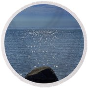 Sunlight Sparkling On The Water At Sturgeon Point Round Beach Towel