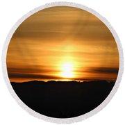 Sunrise Over Cascade Mountains Round Beach Towel