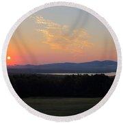 Sunrise Over Lake Winnisquam Round Beach Towel