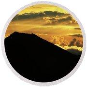 Sunrise Over Maui Round Beach Towel