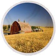 Sunset Barn And Wheat Field Steptoe Round Beach Towel