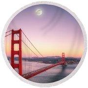 Sunset In San Francisco Round Beach Towel