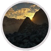 Sunset In The Stony Mountains Round Beach Towel