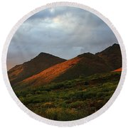 Sunset Light Hitting The Mountains Round Beach Towel