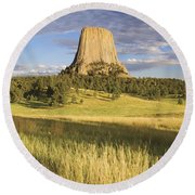 Sunset On Devils Tower Wyoming United Round Beach Towel