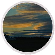 Sunset On The Old Canadian Highway Round Beach Towel