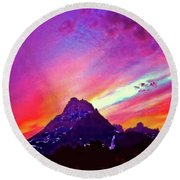 Sunset Over The Sierras Round Beach Towel