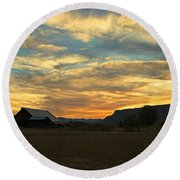 Table Rock Sunset And Barn Round Beach Towel