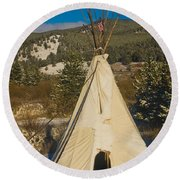 Teepee In The Snow 2 Round Beach Towel