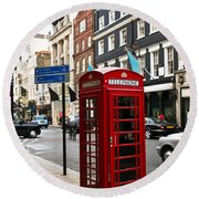 Telephone Box In London Round Beach Towel