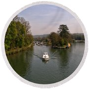 Temple Lock On The River Thames Round Beach Towel
