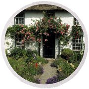 Thatched Cottage, Carlingford, Co Round Beach Towel