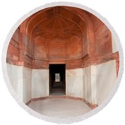 The Architecture And Doorways Of The Humayun Tomb In Delhi Round Beach Towel