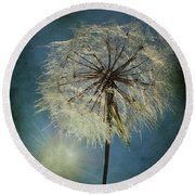 The Blowing Sun Round Beach Towel