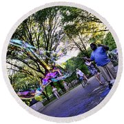 The Bubble Man Of Central Park Round Beach Towel