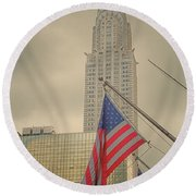 The Colors Flying In New York Round Beach Towel