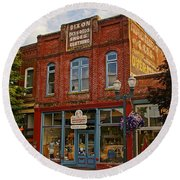 The Dixon Building In Grants Pass Round Beach Towel