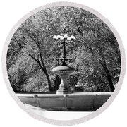 The Fountain In Black And White Round Beach Towel