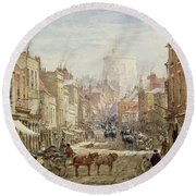 The Household Cavalry In Peascod Street Windsor Round Beach Towel by Louise J Rayner