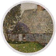 The Old Mulford House Round Beach Towel
