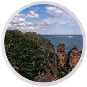 The Three Sisters - The Blue Mountains Round Beach Towel