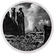 The Tribunal Arches National Park Round Beach Towel
