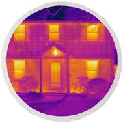 Thermogram Of A House In Winter Round Beach Towel