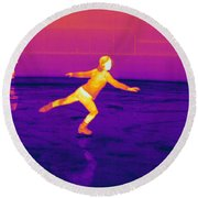 Thermogram Of A Skater Round Beach Towel