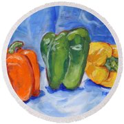 Three Peppers Round Beach Towel