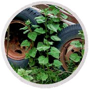 Tires And Ivy Round Beach Towel