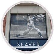 Tom Seaver 41 Round Beach Towel by Rob Hans