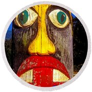 Totem Pole With Tongue Sticking Out Round Beach Towel