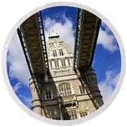 Tower Bridge In London Round Beach Towel