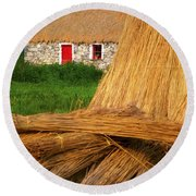 Traditional Thatching, Ireland Round Beach Towel