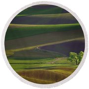 Tree In The Palouse Round Beach Towel