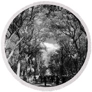 Trees On The Mall In Central Park In Black And White Round Beach Towel